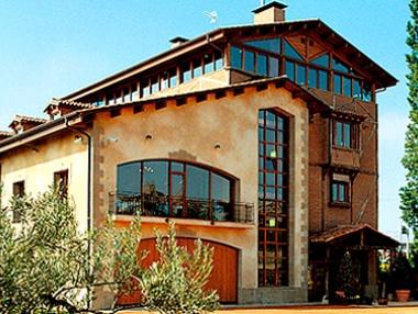Fachada Villa Lucía (Laguardia)