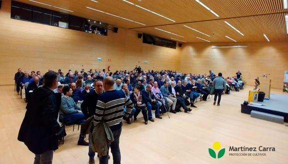 Sistema Tessior de BASF. Gran asistencia de viticultores en la charla presentación.